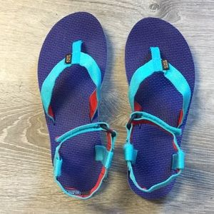 Women's Teva sandals blue, turquoise, red size 10